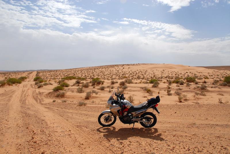 Tunisia, verso Ksar Ghilane, Honda Transalp, moto, bike