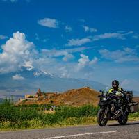 il monastero di Khor Virap e sullo sfondo il monte Ararat